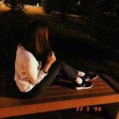Girl Photos, My Photos, Girl Hiding Face, Cute Selfie Ideas, Ft Tumblr, Fake Girls, Girly Pictures, Girls Image, Ulzzang Girl