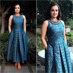 38 Super ideas for style fashion dresses necklaces Box Pleated Dress, Long Gown Dress, Sari Dress, Anarkali Dress, Lehenga, Frock Dress, Indian Designer Outfits, Indian Outfits, Designer Dresses