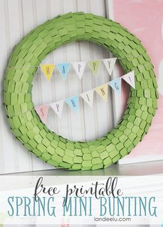 Spring mini bunting free printable! Add this fun printable to your spring decor!