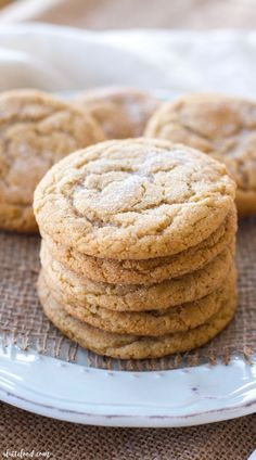 These soft and chewy maple snickerdoodles are so easy to make! The pure maple syrup flavor adds a sweet twist on the classic snickerdoodle recipe! These are sure to be a total crowd pleaser! These chewy maple Maple Cookies, Molasses Cookies, Chocolate Chip Cookies, Sugar Cookies, Delicious Cookies, Baking Cookies, Easy Cookie Recipes, Dessert Recipes, Apple Desserts