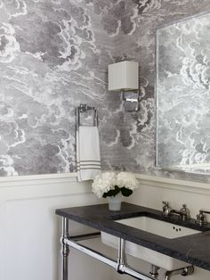 Eschewing Eames and other aesthetic hallmarks, interior designer Timothy Brown imbues a Hamptons home with elevated yet approachable luxury Upstairs Bathrooms, Dream Bathrooms, Beautiful Bathrooms, Cloakroom Wallpaper, Bathroom Interior, Modern Bathroom, Home Luxury, Powder Room Design, The Home Edit