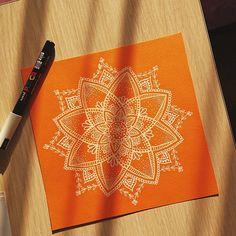 "222 Beğenme, 13 Yorum - Instagram'da Neslihan | Mandala&Watercolor (@mavrones): ""#mandala #mandalas #art #artwork #zentangle #zendoodle #zentangleart #doodle #zendala #design…"""