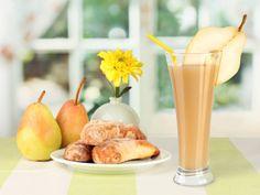 1 pera cortada en trozos 1 plátano pequeño congelado 1/2 cucharadita de jengibre rallado 1/4 cucharadita de canela o más 1 cucharadita de linaza molida (opcional) 1 taza de seda original o vainilla almondmilk