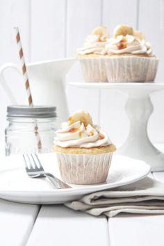 Dreierlei Liebelei: Bananen-Karamell-Cupcakes + wie es dazu kam, dass es zu diesem Rezept nur EIN Foto gibt
