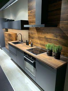 Nobilia Kitchen, Kitchen Room Design, Modern Kitchen Cabinets, Home Decor Kitchen, Interior Design Kitchen, Kitchen Furniture, Home Kitchens, Modern Kitchen Interiors, Contemporary Kitchen Design