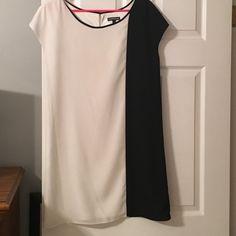 EXPRESS BLACK AND WHITE SHIRT DRESS Worn 2 times and dry cleaned. Shirt dress. Express Dresses Midi