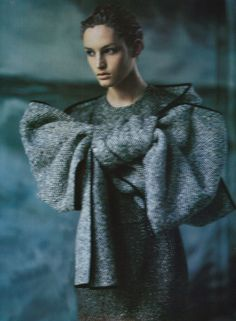 """Vogue Italia October 1999 """"New-Look-Signs"""" by Paolo Roversi with Vivien Solari"""