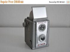 ON SALE Vintage Spartus Six Twenty Camera 1950s