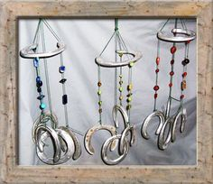 Horseshoe wind chime My little sister is obssesed with horses. This is te perfect preset for her sense she loves to hang things all over her room. And her birthdays coming up! Horseshoe wind chime My littl Horseshoe Projects, Horseshoe Crafts, Horseshoe Art, Horseshoe Wreath, Beaded Horseshoe, Horseshoe Ideas, Western Crafts, Western Decor, Fun Crafts