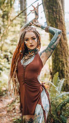 Pretty Dreads, Beautiful Dreadlocks, White Girl Dreads, Female Dreads, Dreadlocks Girl, Pin Up, Alternative Girls, White Girls, Girl Tattoos