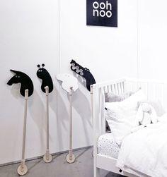 Ooh noo houten Crocodile on a stick – De Gele Flamingo Nursery Room, Kids Bedroom, Flamingo, Stick Horses, Baby Play, Wood Toys, Kid Spaces, Wooden Diy, Kids Furniture