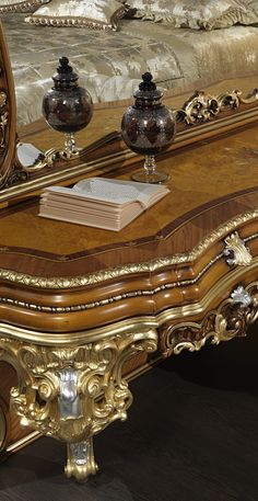 The Classic Double Bed Baroque Comes From The Great Experience Of  Craftsmanship Of The Carving And