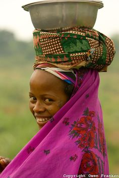 Peul woman after a market, Benin - West Africa