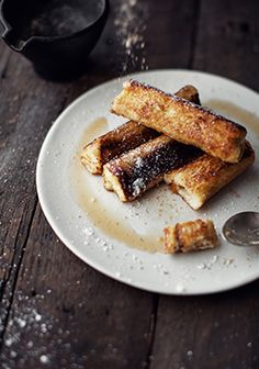 French toast rolls stuffed with cream cheese & maple Wine Recipes, Cooking Recipes, French Toast Rolls, Breakfast Recipes, Dessert Recipes, Crepes And Waffles, Rolls Recipe, Sweet Tooth, Easy Meals