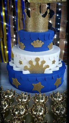 Torta falsa Baby Boy Birthday Cake, Prince Birthday Party, Boys 1st Birthday Party Ideas, Prince Party, Birthday Cakes For Men, Fiesta Baby Shower, Cheap Baby Shower, Baby Boy Shower, Royalty Baby Shower