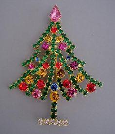 Christmas tree brooch, spreading green