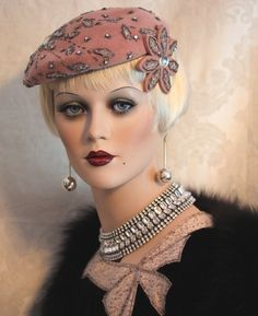 Vintage 40's Mauve Beaded Velvet Cocktail Dramatic Hat