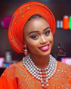 For the love of orange! mua @ennies_makeover photography @9.22photography beads by @omacraft costume by @glamour_by_it #oranglook #orangegele #beads #orangeasooke #pretty #picoftheday