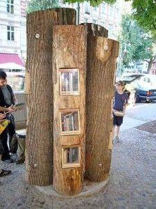 Nu in Berlijn, maar binnenkort een boekenboom in mijn woonplaats! / A book tree in my home town!