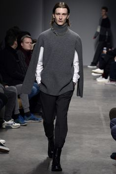 See the complete Ports 1961 Fall 2017 Menswear collection.