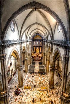 Interior de la #Catedral de #Florencia http://www.florencia.travel/lugares-para-visitar/la-catedral-de-florencia/ #viajar #Italia