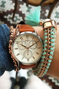 A bright and festive arm party for this year's festival season is a must. We're feeling pops of seaglass blue in threaded rose gold bracelets paired with our newest boyfriend watch, Abilene.