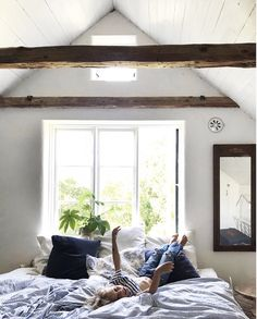 my scandinavian home: Ida's Poetic Century House in Southern Sweden Minimal Bedroom, Minimal Home, Hygge, Attic Master Suite, Attic Bedrooms, Swedish House, Minimalist Home Interior, Living At Home, Scandinavian Home