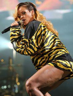 Rihanna a de la cellulite !