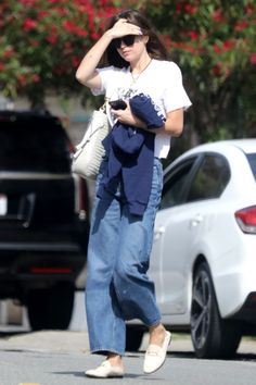 Dakota Jhonson, Dakota Style, Dakota Johnson Style, Cute Simple Outfits, Casual Outfits, Fashion Outfits, Priyanka Chopra Wedding, Future Fashion, Celebrity Style