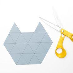 As formas geométricas são cada vez mais uma tendência, este tutorial do WEEKDAY CARNIVAL ensina como fazer uma taça geométrica, ideal pa...