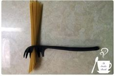 Sabes para sirve el agujero en la cuchara de espagueti Entérate aqui - Pachamama radio 850 AM