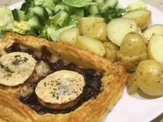 Another manic Monday here, looking forward to dinner. I made some caramelised onions last week, so to use them, I thought a Caramelised Onion and Goats Cheese Tart would be nice, with boiled new po…