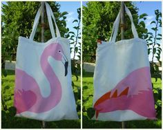 I just love it that flamingos are so in this summer and when I found the popular IKEA fabric, I knew I had to sew myself a new bag with it. Flamingo Fabric, Flamingo Party, Ikea Fabric, Alice In Wonderland Costume, Craft Activities For Kids, Craft Ideas, Summer Chic, Sewing Accessories, New Bag