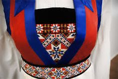fanabunad - Google-søk Folk Costume, Costumes, Traditional Outfits, Vintage Photos, Bridal Dresses, Textiles, Embroidery, Patterns, Norway