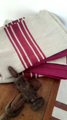 Tablecloth and napkins woven Purple cotton stripe on linen.