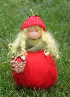 Strawberry doll for the nature table by Hompeltje en Pompeltje of the Netherlands.