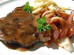 Na přípravu budete potřebovat: 4 plátky z vepřové krkovice 4PL vrchovaté švestkových povidel 2PL sójové omáčky 5cm kousek zázvor... Steak, Pork, Pork Roulade, Pigs, Steaks