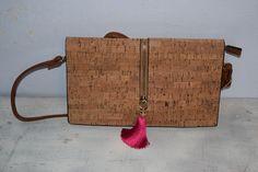 Portemonnaies - Kork Tasche/Clutch mit pinker Quaste - ein Designerstück von VitaMonella bei DaWanda