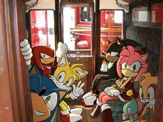 Sonic and his friends riding inside a train. Having fun. Shadow The Hedgehog, Sonic The Hedgehog, Hedgehog Art, Silver The Hedgehog, Sonic Funny, Sonic 3, Sonic And Amy, Sonic Fan Art, Sonic Adventure