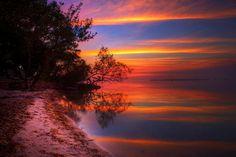 Brilliant Color After Sunset - Key Largo, Florida Photo by Daniel Peckham Amazing Sunsets, Beautiful Sunset, Beautiful World, Beautiful Places, Simply Beautiful, Santorini, Key Largo Florida, Florida Keys, Florida Usa