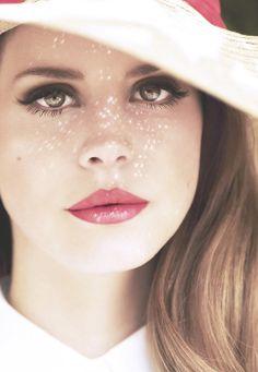 Model: Lana Del Rey