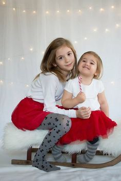 Christmas photo sisters idea