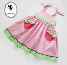 """Vestido """"Fernanda""""  Molde em vários tamanhos, disponível para venda em https://www.facebook.com/moldesparafadinhas/"""