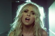 Video Premiere: The Pretty Reckless - Heaven Knows