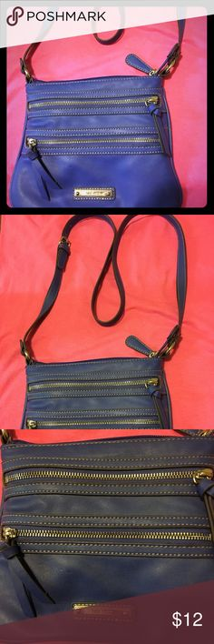 Nine West Cross body 🌺 Like New 🌺 Triple zipper compartment cross body in blue has no wear and tear at all . Silver hardware 🌺 Nine West Bags Crossbody Bags