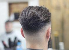 Comb Over Haircut - 20 Clean Cut Haircuts For Businessmen - HerrenMode Clean Cut Haircut, Slick Back Haircut, Mid Fade Haircut, Comb Over Haircut, Young Mens Hairstyles, Hairstyles Haircuts, Haircuts For Men, Short Hair Cuts, Short Hair Styles