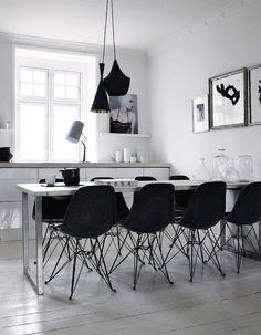 Vitra Eames, Black and White Interior Interior Exterior, Kitchen Interior, Home Interior Design, Interior Modern, Dining Room Inspiration, Interior Inspiration, Sweet Home, Home And Deco, Interiores Design