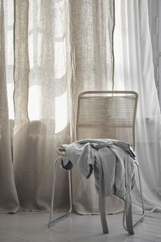 High-quality, natural home accessories - rugs, bedding, blankets and curtains in timeless designs ✓ Free UK delivery over ✓ 100 days returns ✓ Shop now! Bedding And Curtain Sets, Linen Curtains, Linen Bedding, Bedding Sets, Bed Linen, Natural Bedroom, Bed Duvet Covers, Soft Blankets, Home Decor Accessories