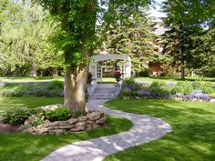 WALKWAYS and GARDEN PATHS: Curves make almost any walkway more interesting. Make sure they compliment the shape of your landscape. Garden Paths, Garden Landscaping, Landscaping Ideas, Backyard Ideas, Garden Ideas, Path Design, Garden Design, Vintage Hotels, Pathways
