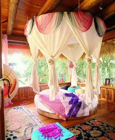 Circular Bedroom  by PoshTots